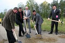 Slavnostní výkop na stavbě dalšího úseku R6: etapa Sokolov - Tisová.
