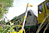 MILION KORUN. Taková vznikla škoda při srážce dvou osobních vlaků u Rotavy. Zranilo se sedm lidí.