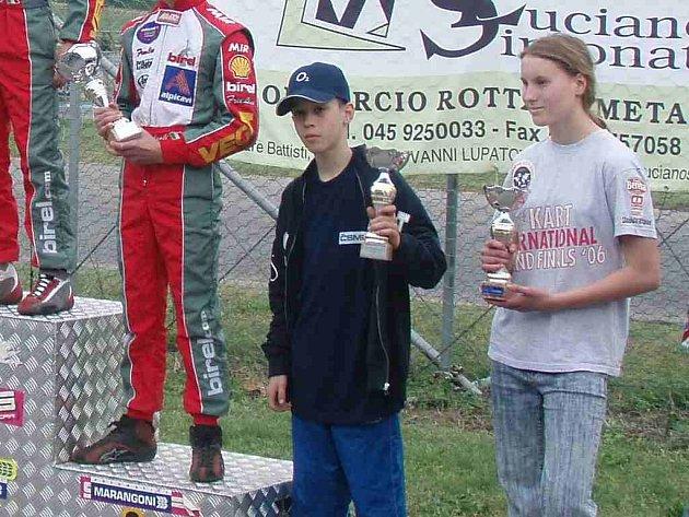 Chodovský jezdec Radim Maxa (vlevo) obsadil na závodech v Itálii čtvrté místo.