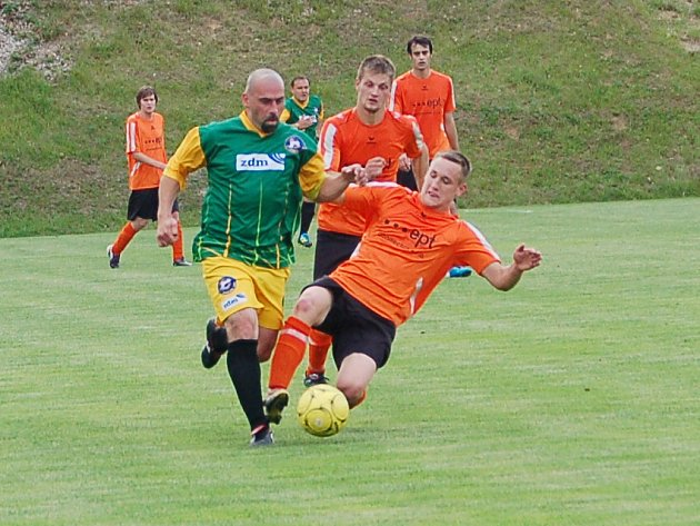 TJ OSS Lomnice (v oranžovém) - Jiskra Aš