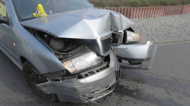 Opilá řidička způsobila v Sokolově dopravní nehodu.