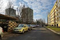 Práce na novém parkovišti největšího sídliště v Sokolově se opět rozjedou
