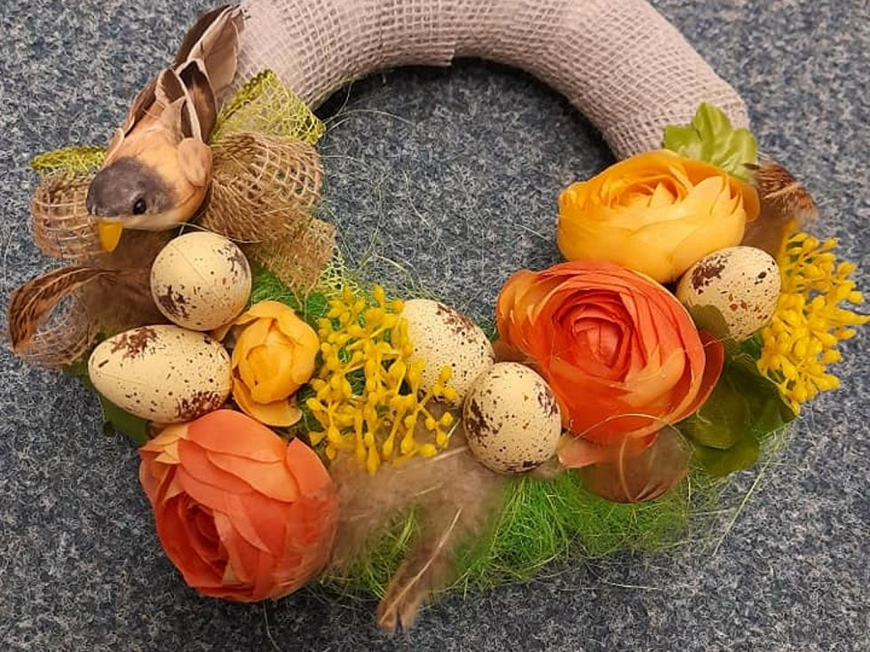 Šneci vyrobili nádherné jarní a velikonoční dekorace.