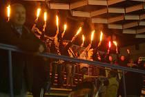 Sokolovští fanoušci vytvořili hokejistům Baníku na ledě Berouna domácí prostředí