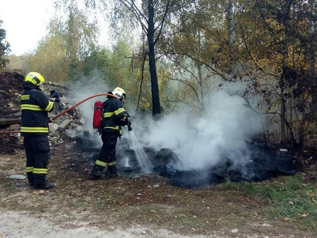 V kraji kvůli suchu roste počet požárů trávy.