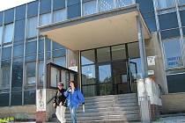 Městský úřad v Novém Sedle se postupně změní na moderní budovu. Stavební úpravy mají odstartovat 28. června.