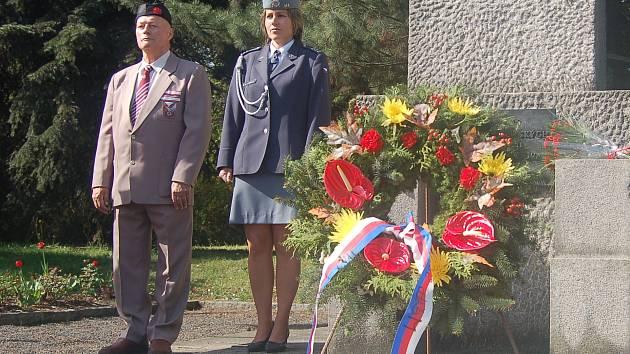 V Sokolově začne pietní akt u pomníku československého vojáka, který je naproti městskému úřadu.