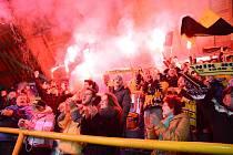 Sokolovští fanoušci vytvořili Baníku v Klášterci domácí prostředí