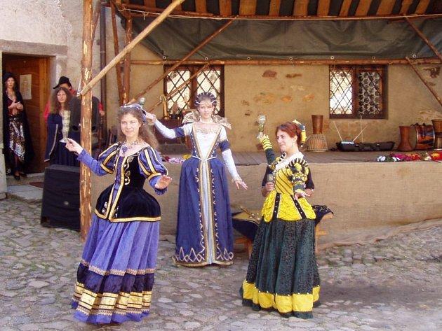 Slavnosti na hradě v Lokti.