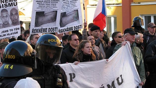 V Rotavě pochodovali nejen čeští radikálové, ale i jejich spojenci z Německa.