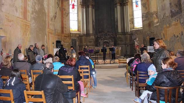 Slavnosti jsou mimořádnou příležitostí prohlédnout si kostel sv. Jiří, který prochází rekonstrukcí a je během roku zavřený.