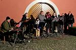 KOLEDOVALI. Sedmadvacátý ročník Rockového koledování připravil vpátek večer dvě stovkám posluchačům nezapomenutelné zážitky.