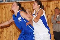 II. liga v basketbale žen: Sokolov vs. Liberec (v modrém)