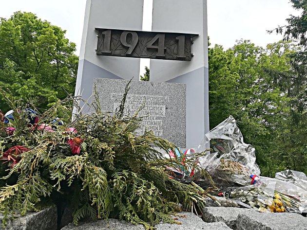 Pomník, u kterého přibudou pamětní desky se jmény padlých zajatců