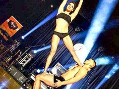 Sokolov má talent. Na snímku loňští vítězové Alica Hukelová a Andrej Mészáros, kteří vystupují pod uměleckým jménem A&A Gravity