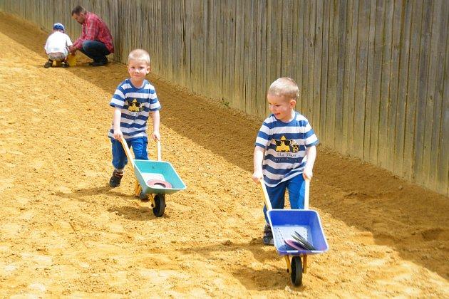DEN DĚTÍ si užila dvojčata a vícerčata na farmě v Rudolci.