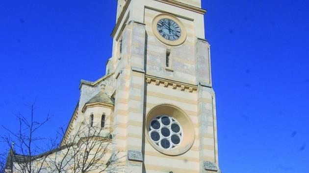 Kostel v centru Kraslic.