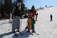 Karneval na lyžích si užily celé rodiny. Bublava se tak loučí se sezónou, která byla podle vlekařů úspěšná.