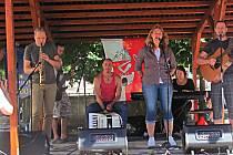 Kapela potěšila své příznivce na Malé scéně v Lokti.