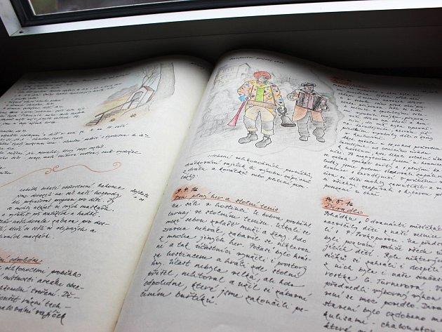 Nejlepší tři kroniky Karlovarského kraje byly oceněny na semináři kronikářů vchodovské Galerii uVavřince.
