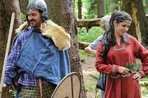 PAVEL REICHARD je Kelt. Je to jeho životní styl. Spolu se svou rodinou, manželkou a dvěma syny, žije podle keltských tradic, v souladu s keltskou vírou. Stejně jako Keltové se zejména snaží žít v souladu s přírodou.