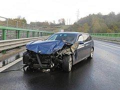 Nehoda na R6.