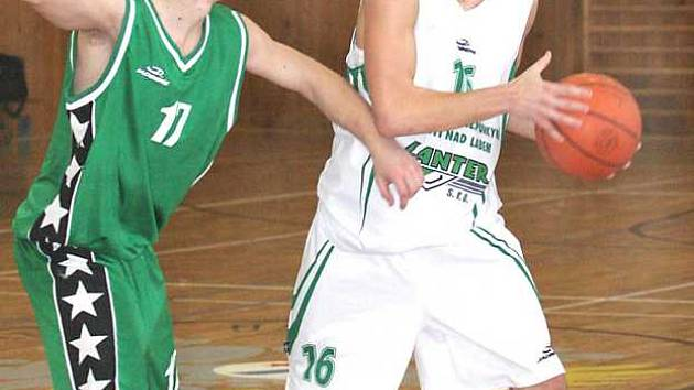Basketbalistům Sokolova se proti Aši dařilo.