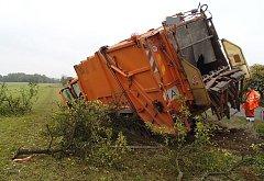 Popelářský vůz. Nehoda. Ilustrační snímek.