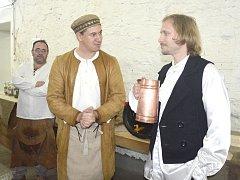 DUCH barona Haase s korbelem piva.