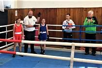 Eliška Gubová (v modrém) si připsala další výhru