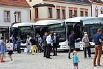 Prezentace nových autobusů v Chodově.