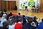 Školáci a fotbalisté mluvili o roli sportu.