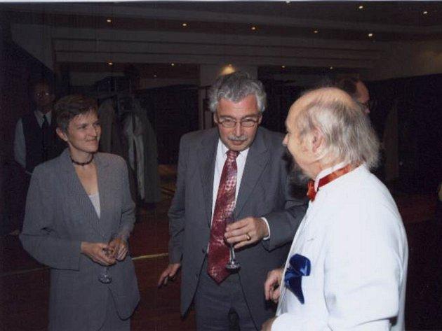 """Vzácnou návštěvou minulého projektu """"Karel Komzák a Josef Labitzký 2005"""" byl dr. Eduard Strauss z Vídně."""