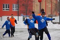 Zimní turnaj SSZ Sokolov, OSS Lomnice - Spartak Horní Slavkov (v modrém)