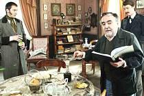 SPECIÁLNÍ HOST KRIMIFESTU Dušan Klein (v popředí) připravuje film o Karlu Havlíčku Borovském  s názvem Zakázaný člověk. Diváci se ho dočkají na konci tohoto roku, kdy ho uvede Česká televize.