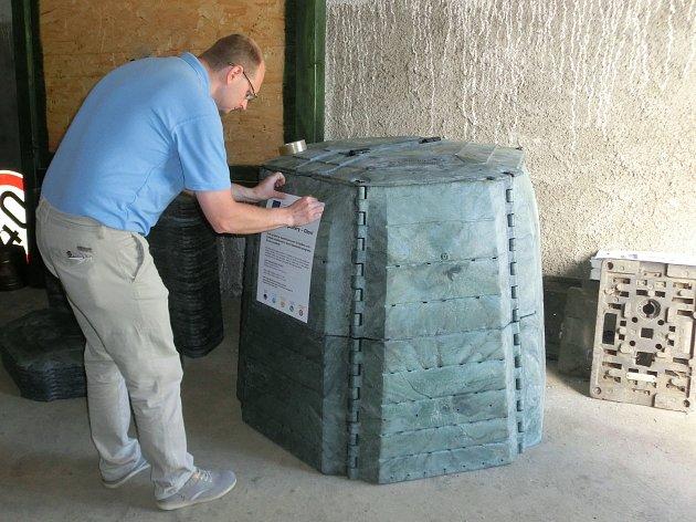 Oloví nakoupilo přes stovku kompostérů.