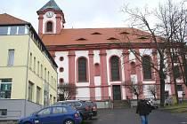 OPRAVY interiéru chodovského kostela by měly být hotové do Vánoční mše