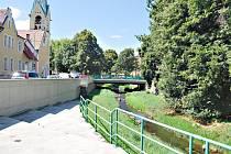Lobezský potok u sokolovského nábřeží.