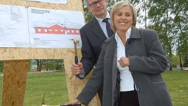 V Horním Slavkově začala stavba výjezdového stanoviště zdravotní záchrané služby.