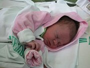 Lucinka Kretová z Oloví při narození měřila 49 cm a vážila 3 kg.