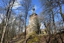 Opravy hradu Hartenberg nadšenci nevzdávají.
