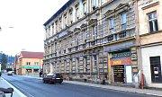 Dům v centru Kraslic má jít k zemi.