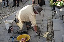 Další kameny zmizelých položil v Chodově Gunter Demnig..