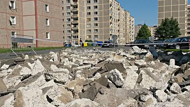 Spartakiádní ulice na sokolovském sídlišti Vítězná