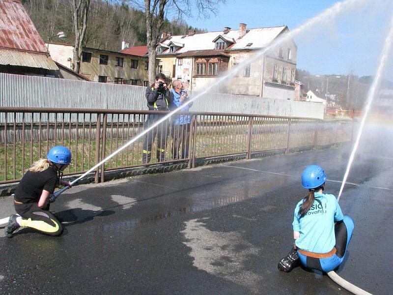 Soutěž v požárním útoku v Kraslicích.