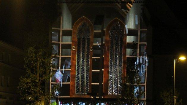 OBRAZEM: Kostel svatého Petra a Pavla se stal promítacím plátnem