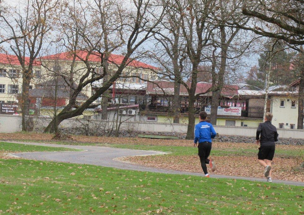 Už na podzim se na nový povrch v Soběslavi za řekou Lužnicí vydávali první sportovní nadšenci.