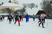 ZÁVOD. Na trať amatérského běžkařského závodu se postavilo přes 120 lyžařů