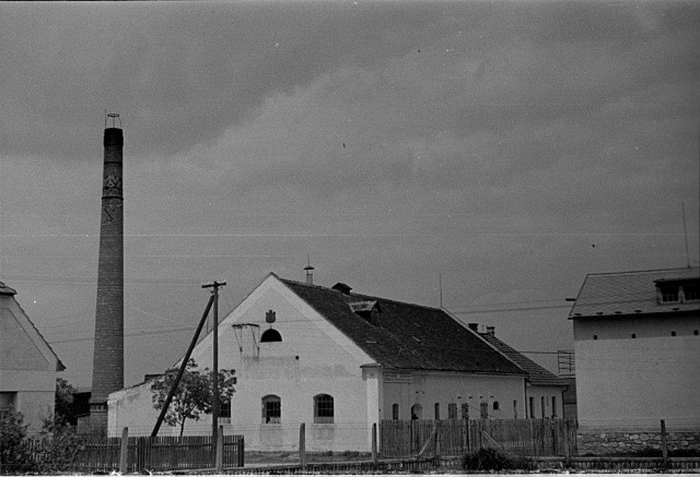 Fotografie Plané nad Lužnicí pochází z táborského atelieru Šechtl a Voseček. Zveřejňujeme je s laskavým svolením Marie Šechtlové.