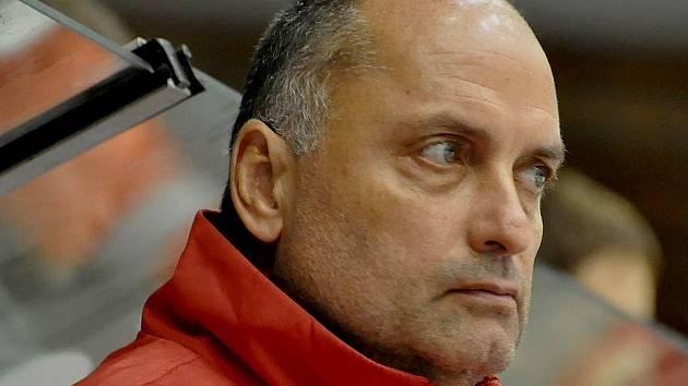 Táborský kouč Vladimír Kýhos.  byl hrou svého týmu stejně jako diváci rozčarován.